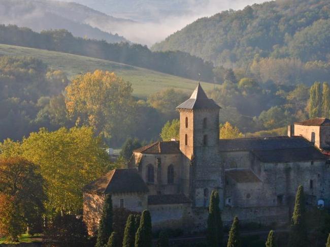 Wijn, lekker eten en muziek op gloednieuw festival in mooiste dorp van Frankrijk