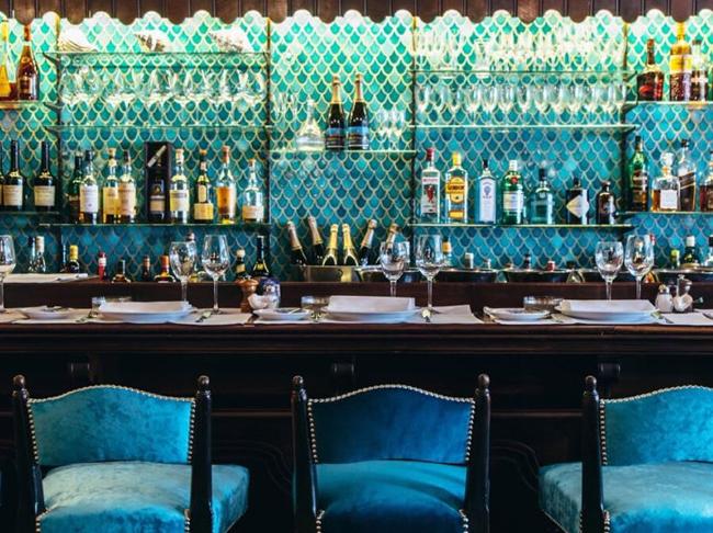 Terugblik: Opmerkelijke stoelendans rond Brussels sterrenrestaurant