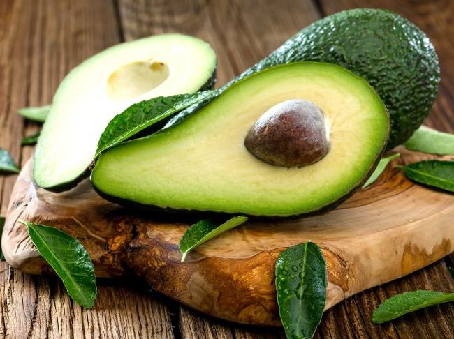 Wat te doen met onrijpe avocado's? Tips die werken – en niet werken