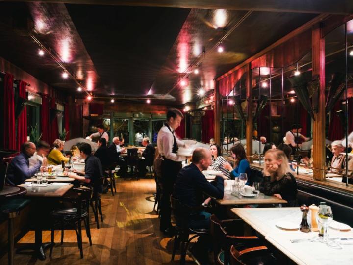 Donderslag bij heldere hemel: Stijlvolle Antwerpse brasserie sluit de deuren