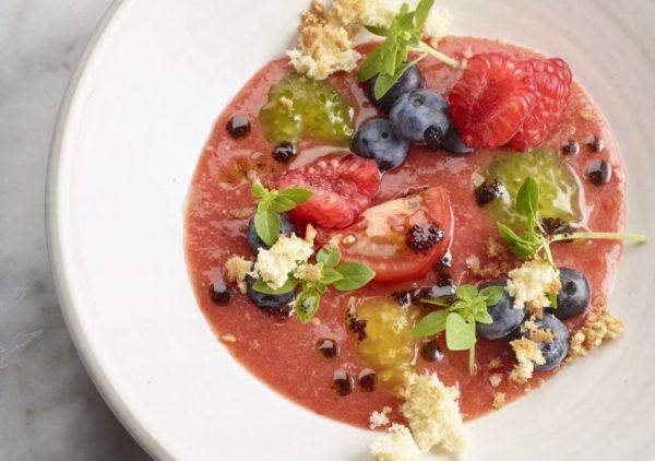Gazpacho van tomaat met paprika en framboos