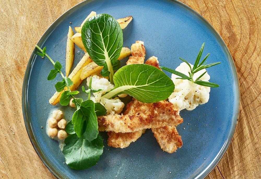 Kipnuggets met bloemkool en aardappelpartjes