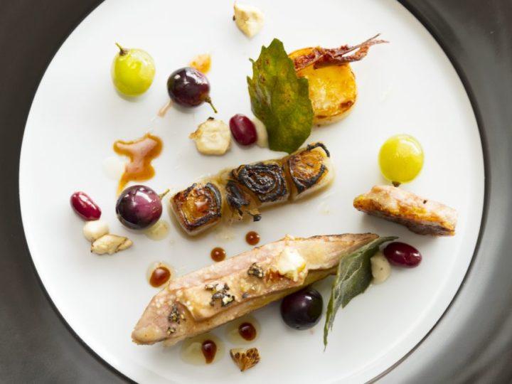 Gebakken fazant met druiven en witloof