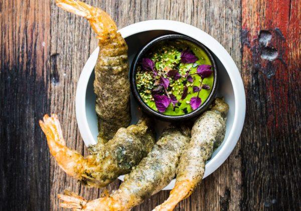 Nobashigarnalen in tempura met dip van dulse