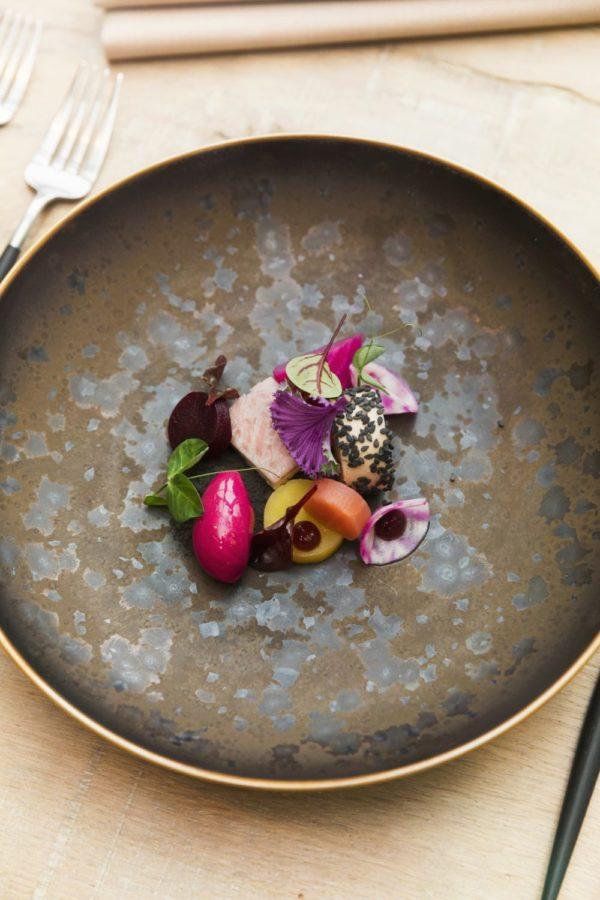 Gerookte Oosterscheldepaling met foie gras en structuren van biet
