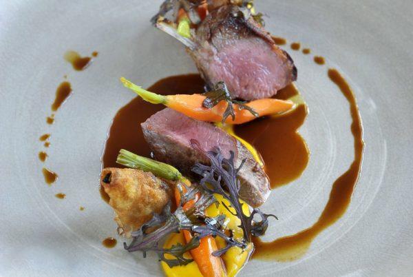 3 creaties van Welsh lamsvlees en wortelen