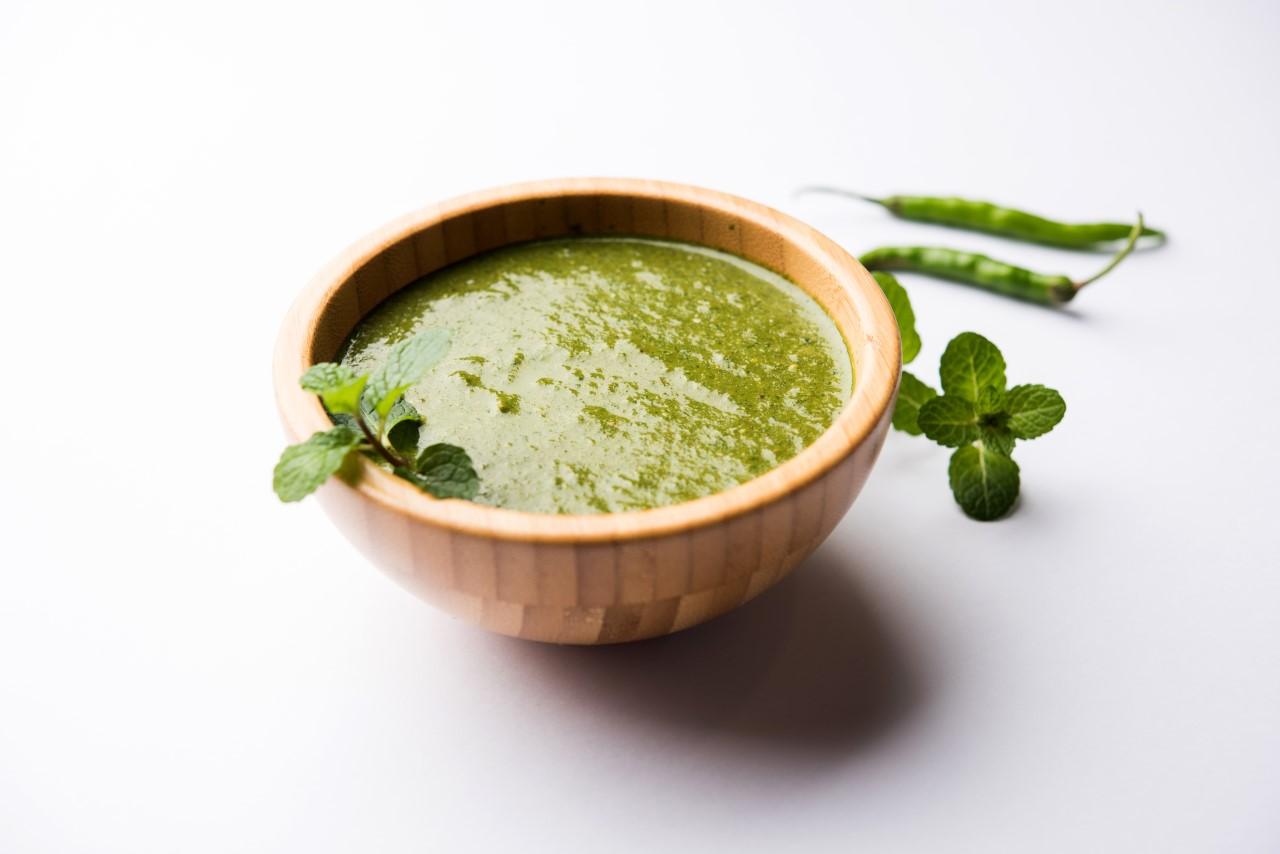 Groene kruiden chutney